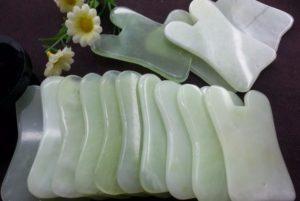 Deze speciaal gevormde stenen worden voor de behandeling gebruikt.